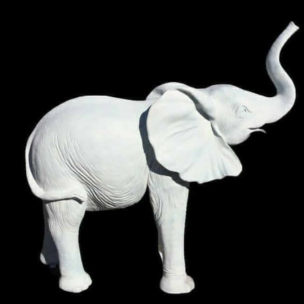 lebensgrosses Elefantenbaby rohling