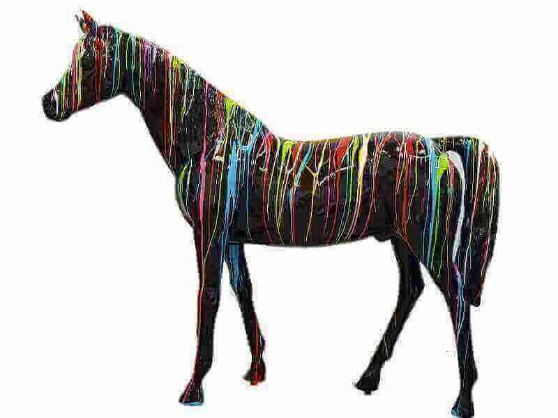 Lebensgrosses Pferd kreativ Araber Hengst