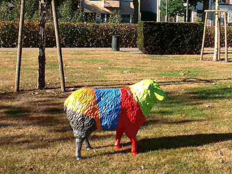 Ein Schaf nach Farbwunsch des Kunden