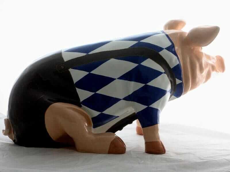 Riesiges sitzendes Sparschwein