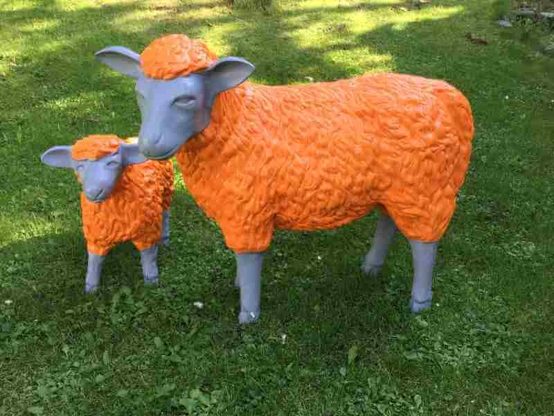 Deko Schhafe in orange grau